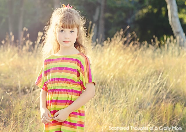 This Girls Knit Tunic Tutorial is perfect to pair with leggings and you can customize the length so it is perfect for school.