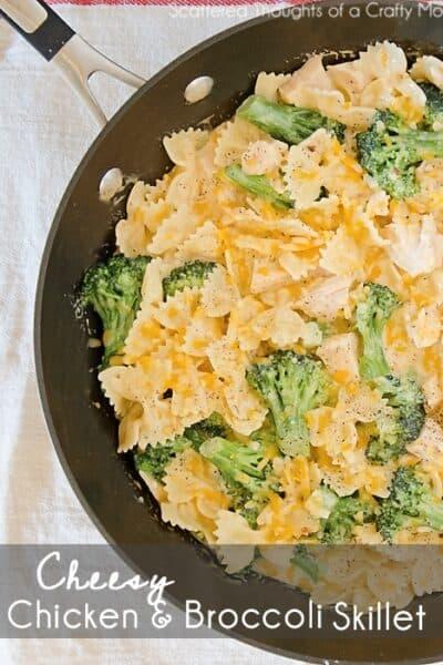 Cheesy Chicken and Broccoli Skillet