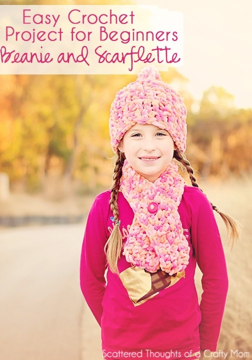 Crocheted Scarflette and Beanie: a super easy project for beginners.