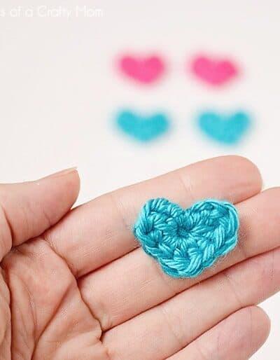 Tiny Crochet Hearts (w/ pattern)
