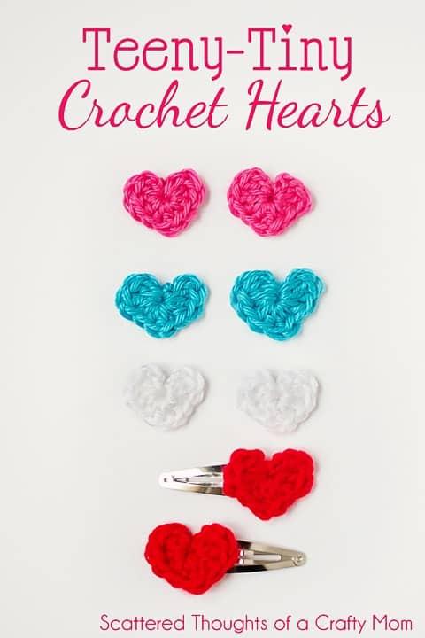 Free Teeny Tiny crochet heart pattern. They are super easy to make!