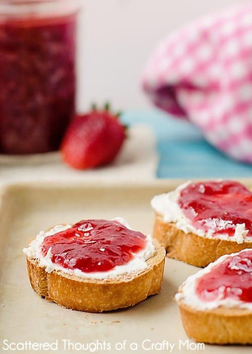 How to make Strawberry Jam: Quick and Easy No Pectin Strawberry Jam Recipe