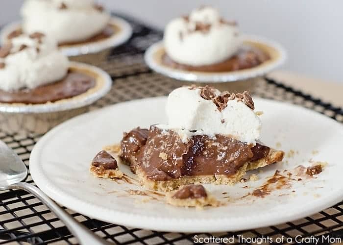 Mini Chocolate Pudding Pies: Yes, you CAN makechocolate pudding with almond milk!Chocolatepudding with almond milk is just as creamy and delicious as regularchocolate - but without using cream or milk!