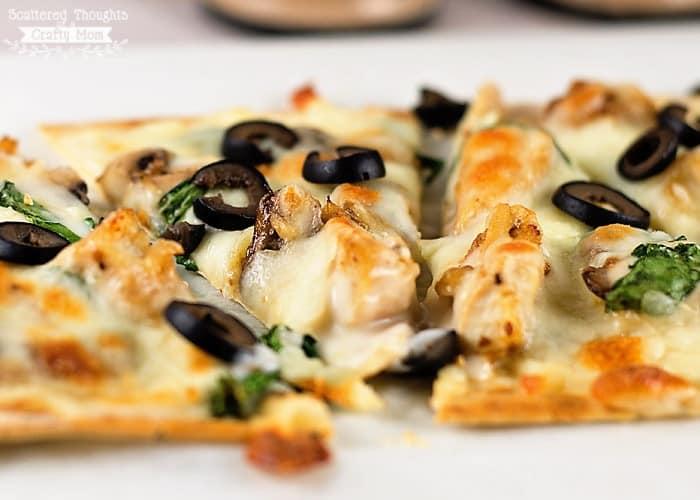 Chicken and Mushroom White pizza Recipe