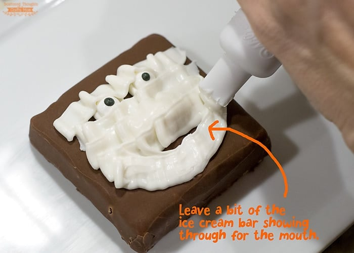 how to make a mummy treat for halloween