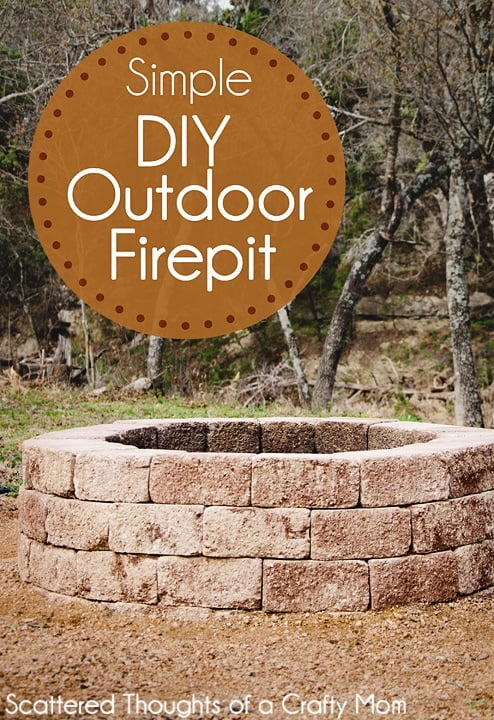 How to build a firepit: Spruce up your backyard w/ this easy DIY Outdoor Fire Pit. Perfect Fall weekend project!