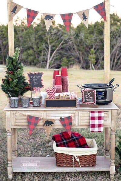 How to Make an Outdoor Hot Cocoa Bar