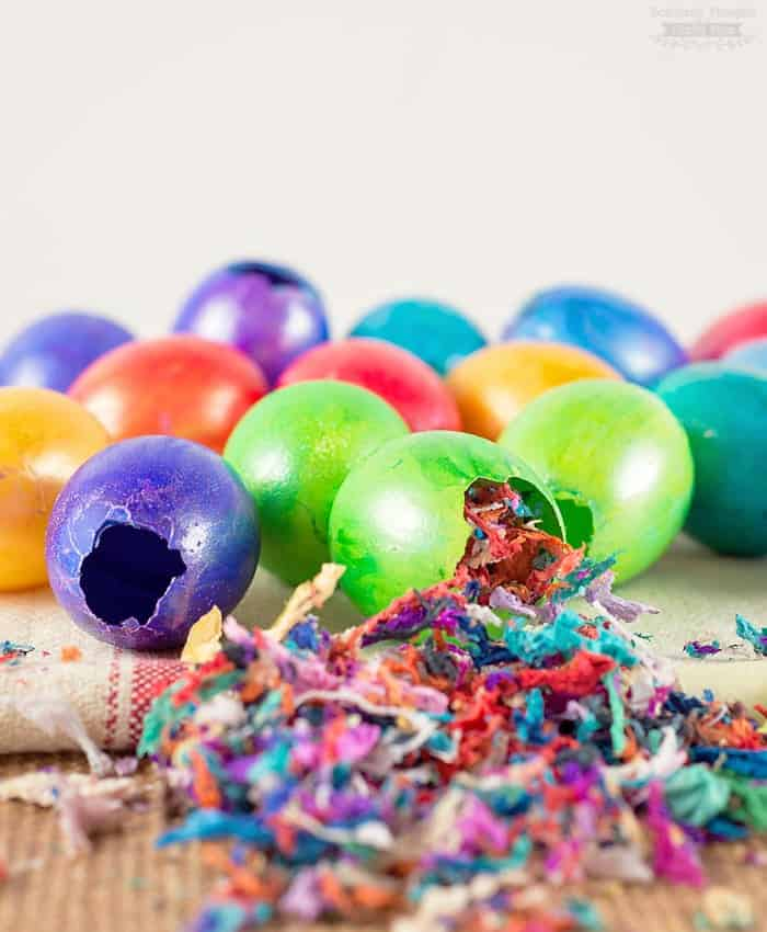 DIY Confetti Eggs (cascarones)