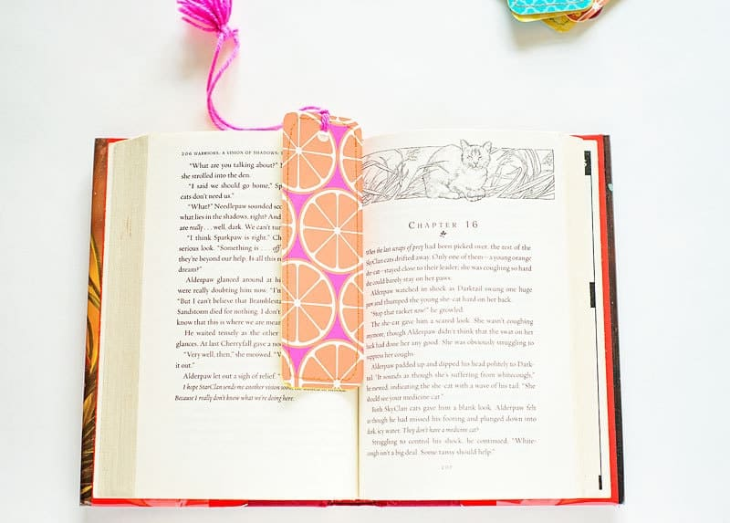 Easy Bookmark template - perfect summer craft for tweens!