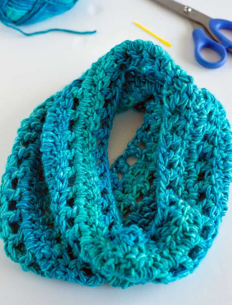 Easy Crocheat cowl scarf