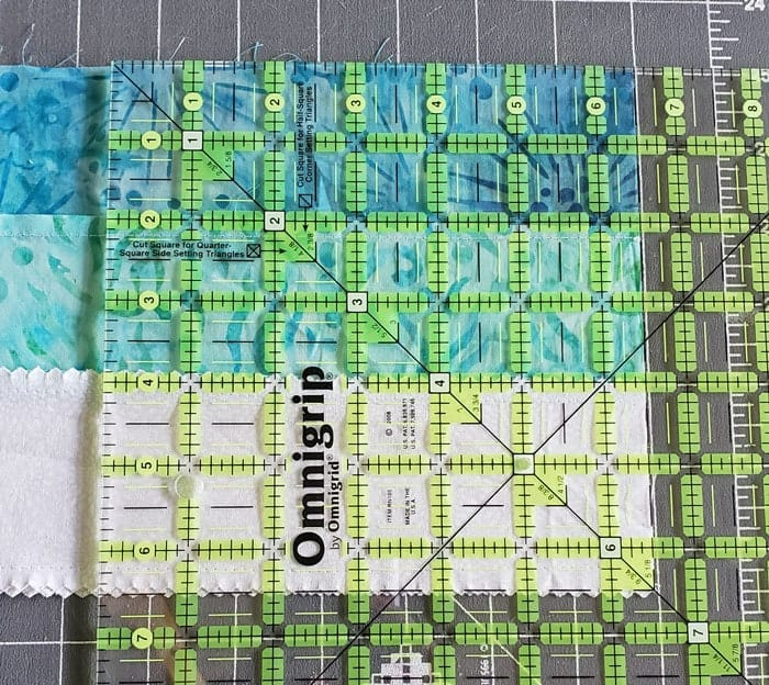 Square in square quilt block tutorial to start in 2020 3