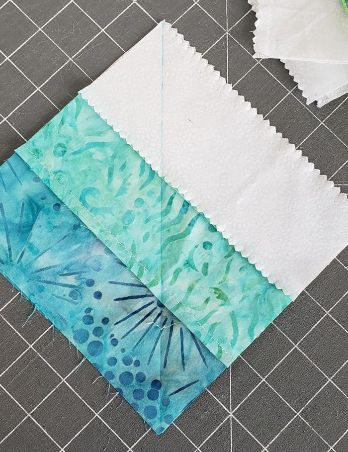 Square in square quilt block tutorial to start in 2020 5