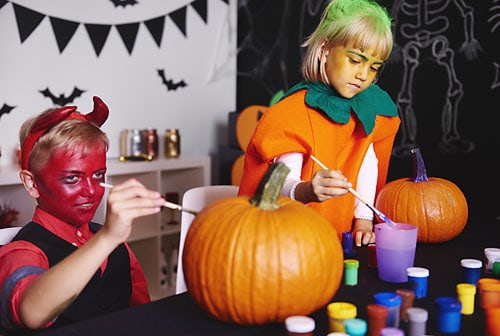 Halloween party games- DIY pumpkin decorating station