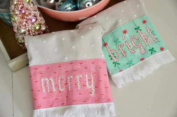 Merry and Bright Retro Christmas Towels - Christmas crafts to make and sell - plus 37 more cute Christmas things to sew