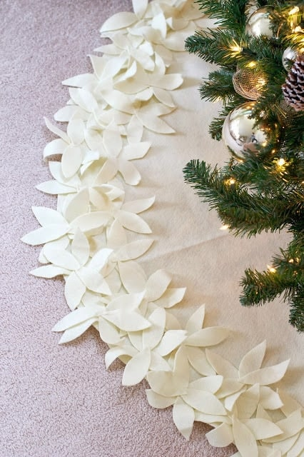 Christmas crafts to make and sell - no sew tree skirt