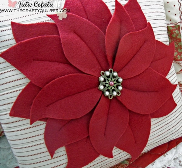 things to sew for christmas - pointsetta pillow