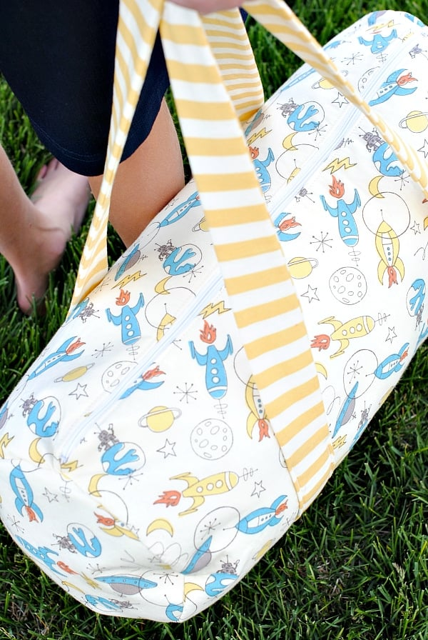 make a kids duffle bag - free pattern